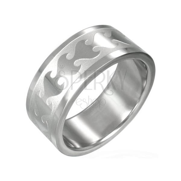 Ring aus Chirurgenstahl - glänzende Flamme auf matter Basis