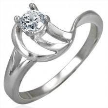 Verlobungsring in aufwendiger Ausführung