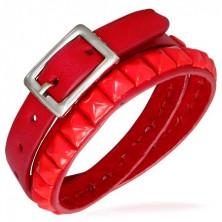 Mehrfacharmband aus Leder in knalligem Rot, Nieten