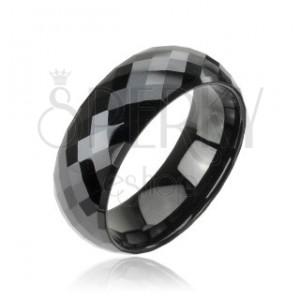Facettierter schwarzer Ring aus Wolfram in Disco Optik