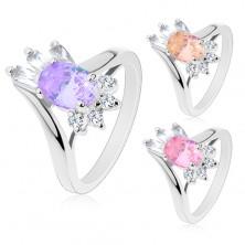Silberfarbener Ring, großer ovaler Zirkonia, rechteckige und runde Steine