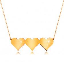 Collier aus 9K Gelbgold - drei symmetrsiche flache Herzen, feines Kettchen