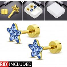 Ohrstecker aus Stahl mit Schraube in goldener Farbe, glitzernde Blume aus blauen Zirkonen