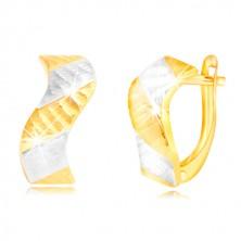 Ohrringe aus 585 Gold - glitzernde Welle mit Einschnitten und zweifarbigen Streifen