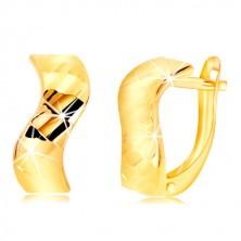 585 Gelbgold Ohrringe - gewellter Streifen, glitzernde geschliffene Stellen