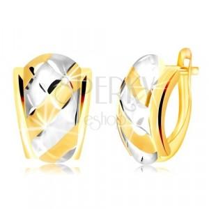 Kombinierte 585 Gold Ohrringe - asymmetrischer Bogen mit Streifen und Gitter geschmückt