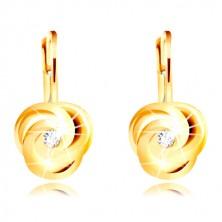 Ohrringe aus 14K Gelbgold - drei spiralförmig gedrehte Blütenblätter, runder Zirkon