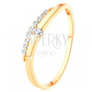 Ring aus 9K Gelbgold - glatte Welle mit klarem Zirkon, Zirkoniastreifen