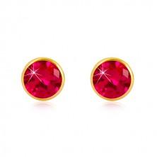 Ohrringe aus 585 Gelbgold - dunkelrosa Zirkon in Fassung, Ohrstecker mit Schraubverschluss, 5 mm
