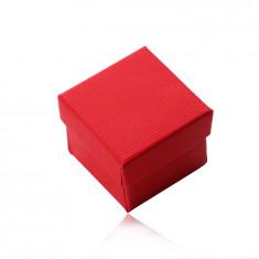 Rote quadratische Schachtel für Ohrringe oder Ring, matte geriffelte Oberfläche