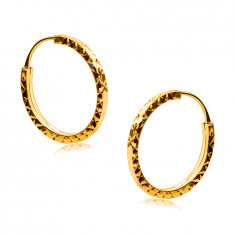 Ohrringe aus 375 Gelbgold - Reifen mit Diamantschliff geschmückt, quadratische Ringschiene, 14 mm