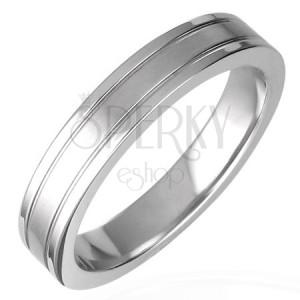 Ring aus rostfreiem Stahl dekoriert mit Nuten