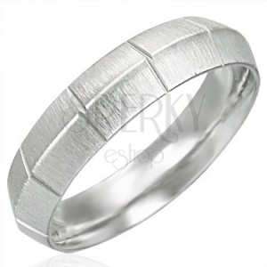 Mattierter Ring für Damen aus Edelstahl mit vertikalen Rillen