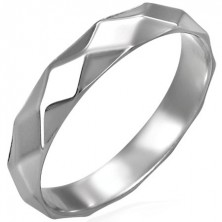 Damenring aus Stahl mit glänzendem Rautenmuster